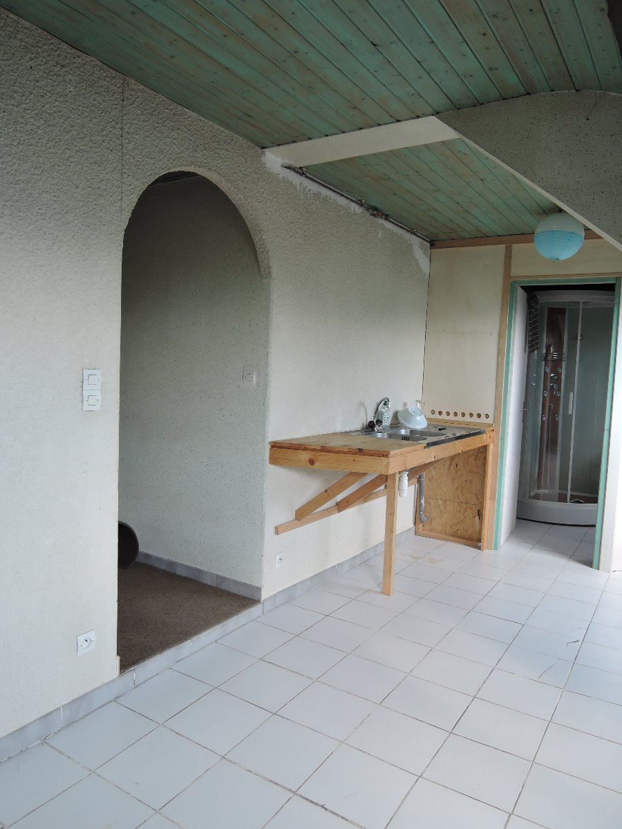 vente appartement sous comble valentigney. Black Bedroom Furniture Sets. Home Design Ideas